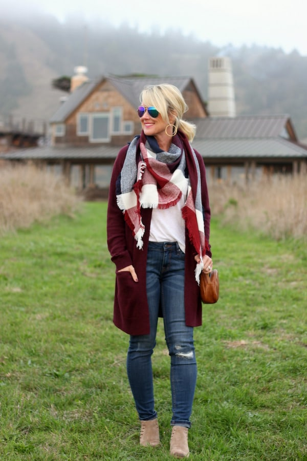 cassie from hisugarplum.com wearing a cozy winter outfit