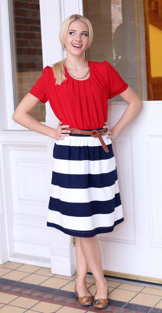Modest Mom Blog fourth of July outfit
