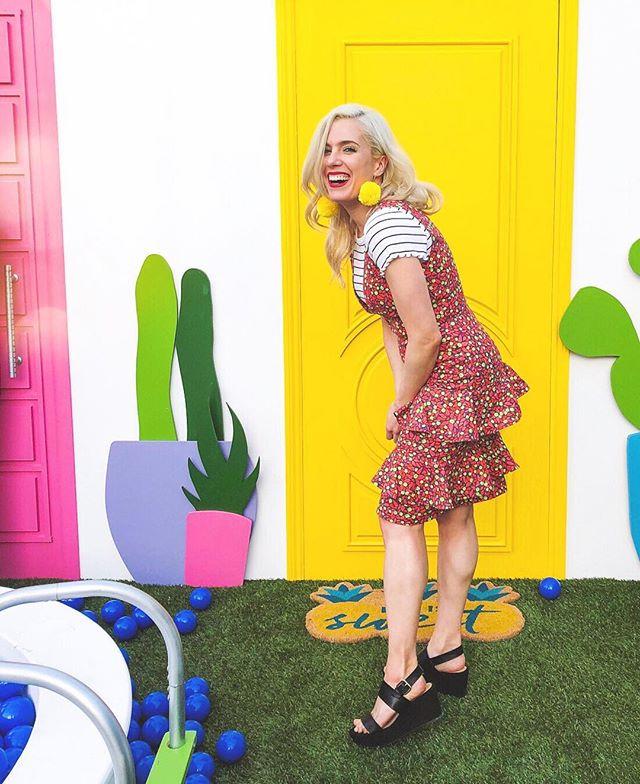 riva is a fashion designer that blogs at Rive La Diva