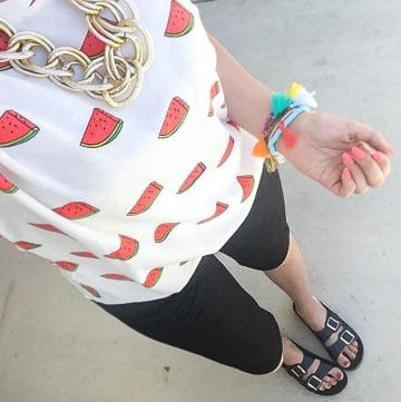 Outfit with black bermuda shorts and watermelon shirt