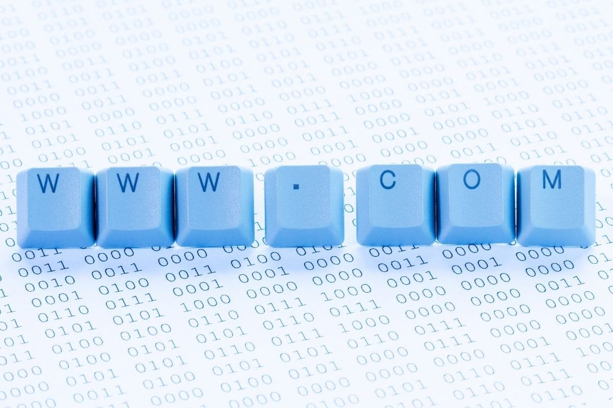 blue keyboard keys that say www.com with a white background that has numbers on it