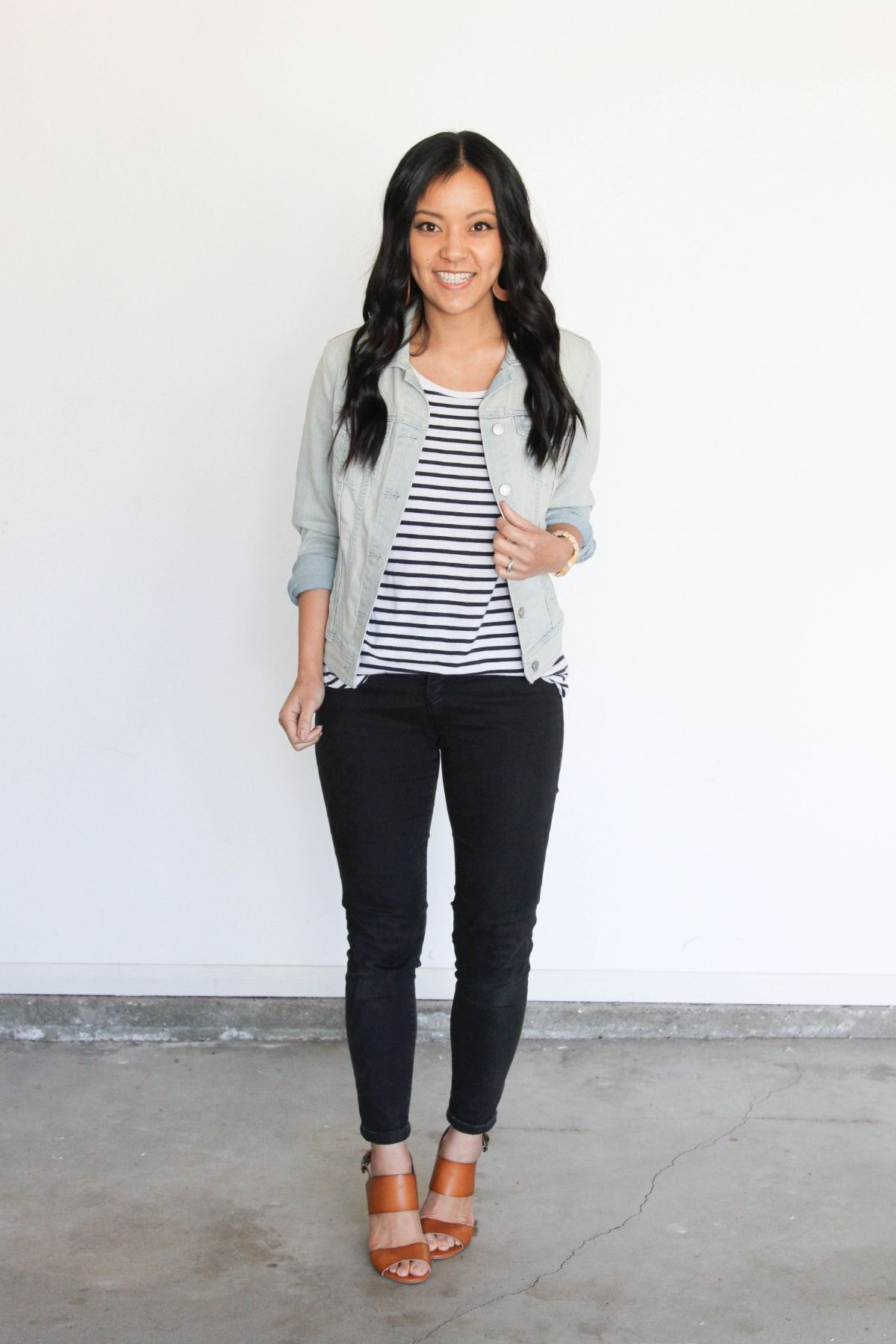 put a striped shirt with black jeans