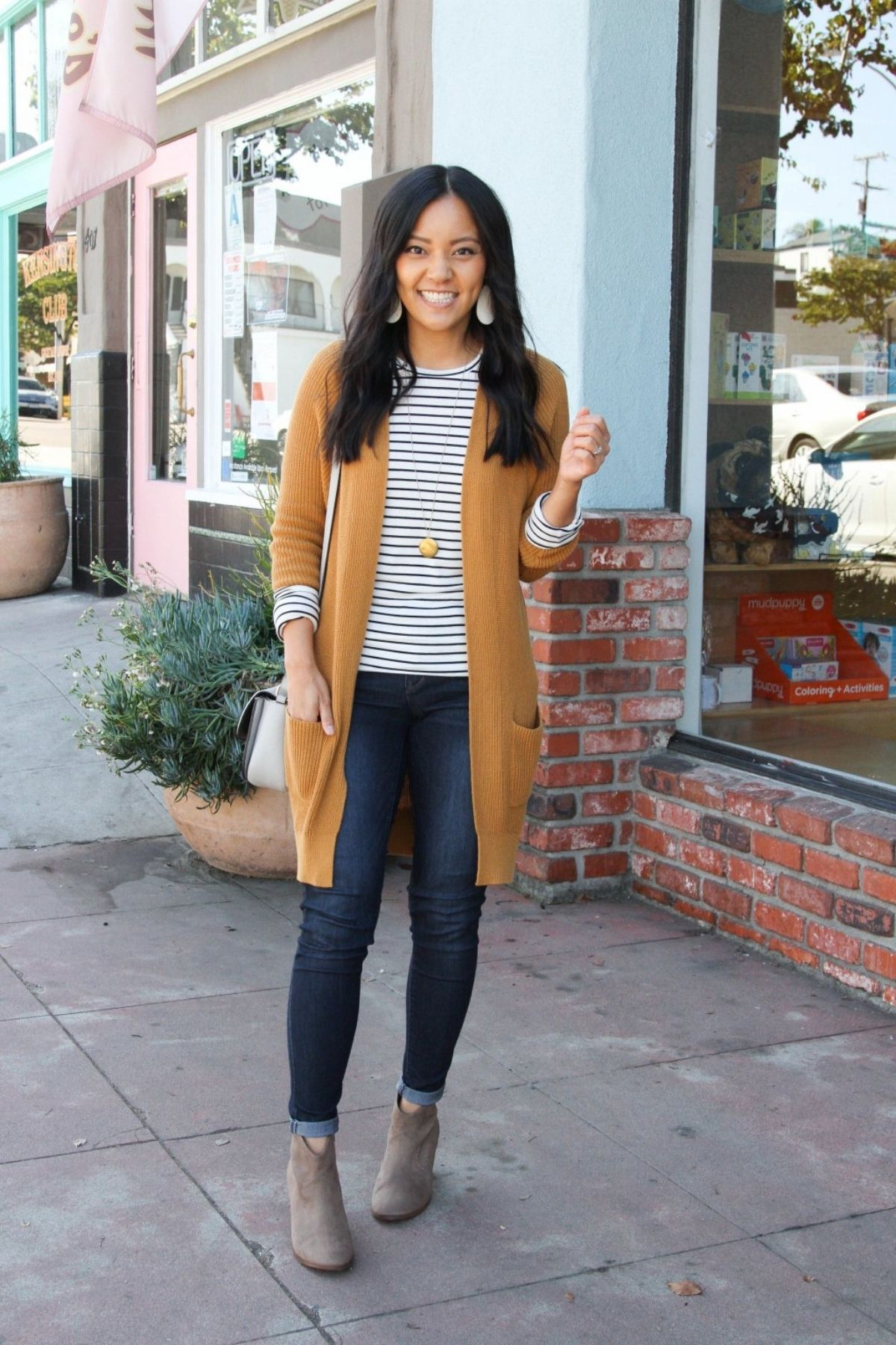 outfit with rolled up sleeves and cardigan