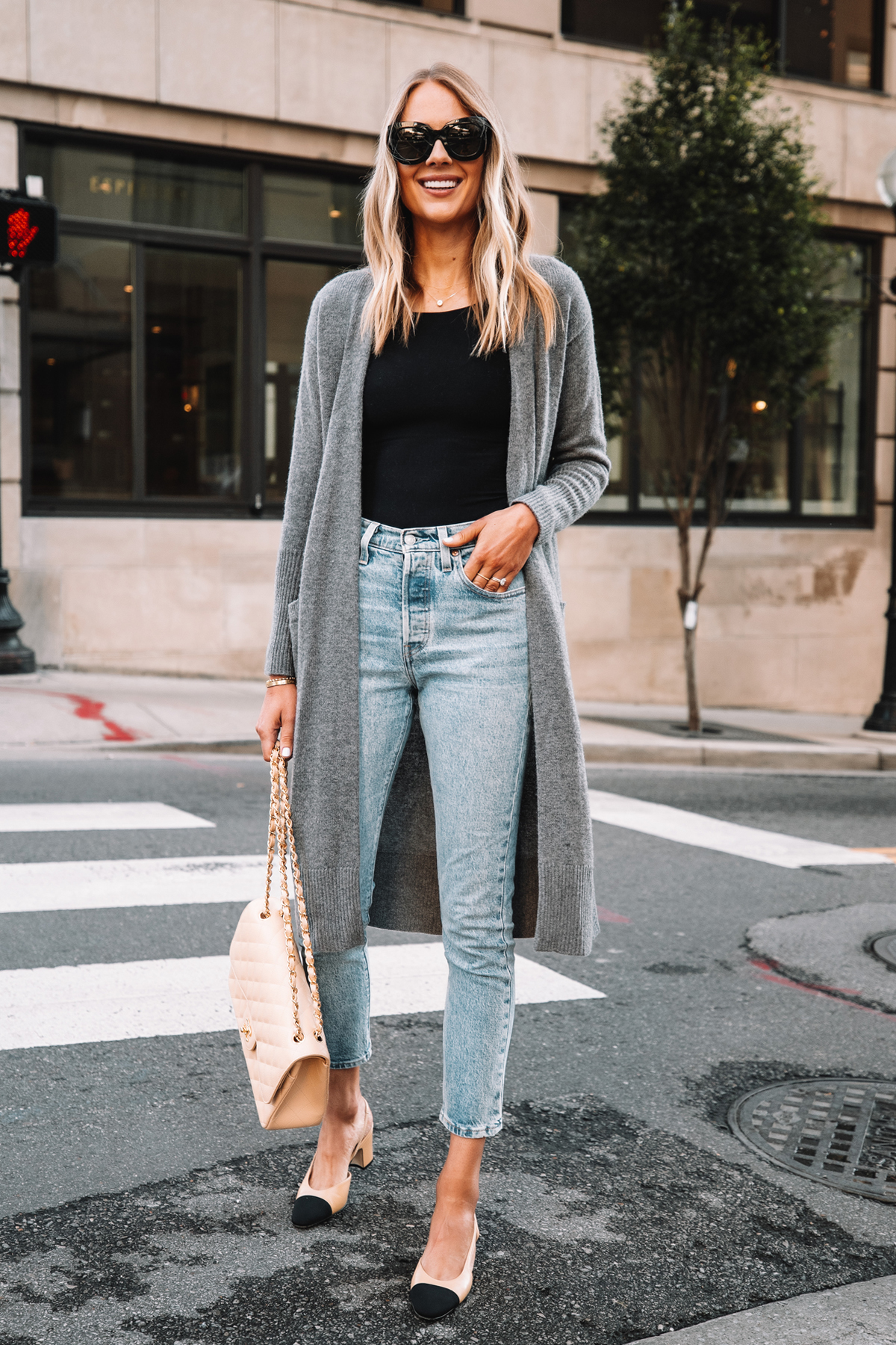 styling long cardigan with jeans