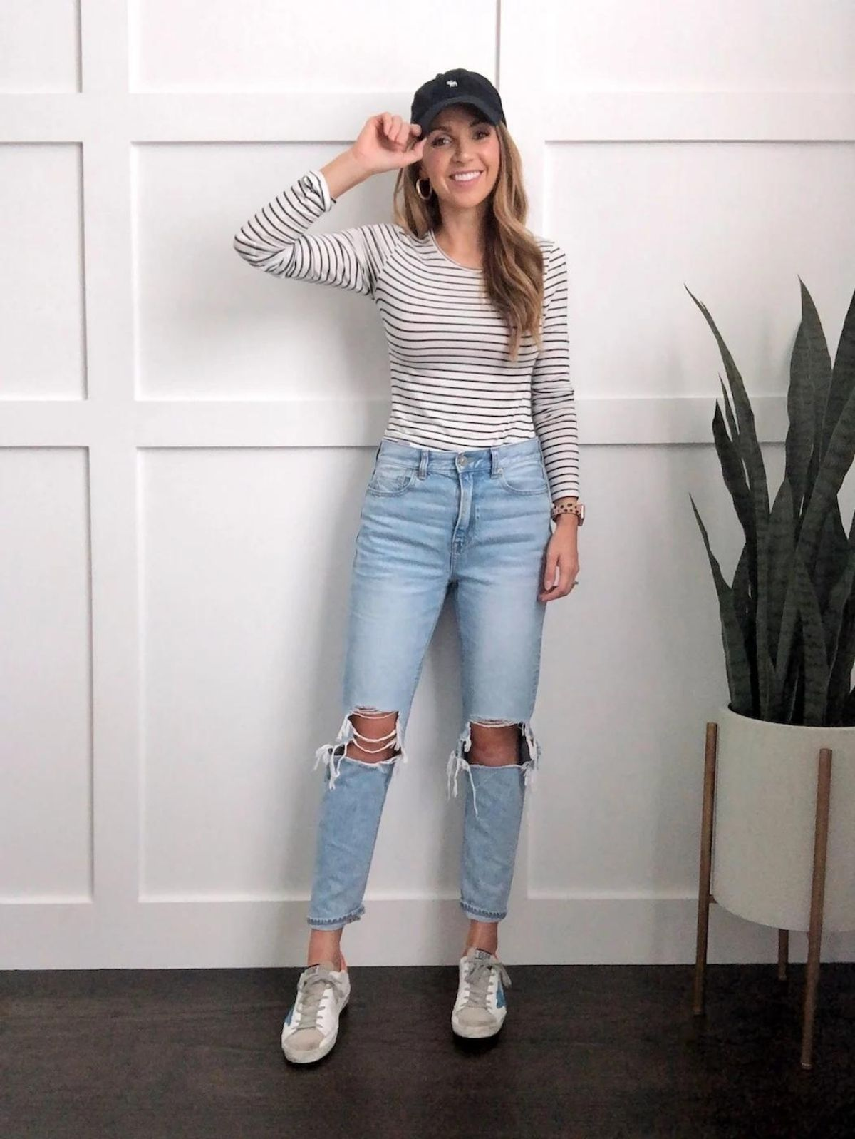 tuck shirt in all the way with mom jeans