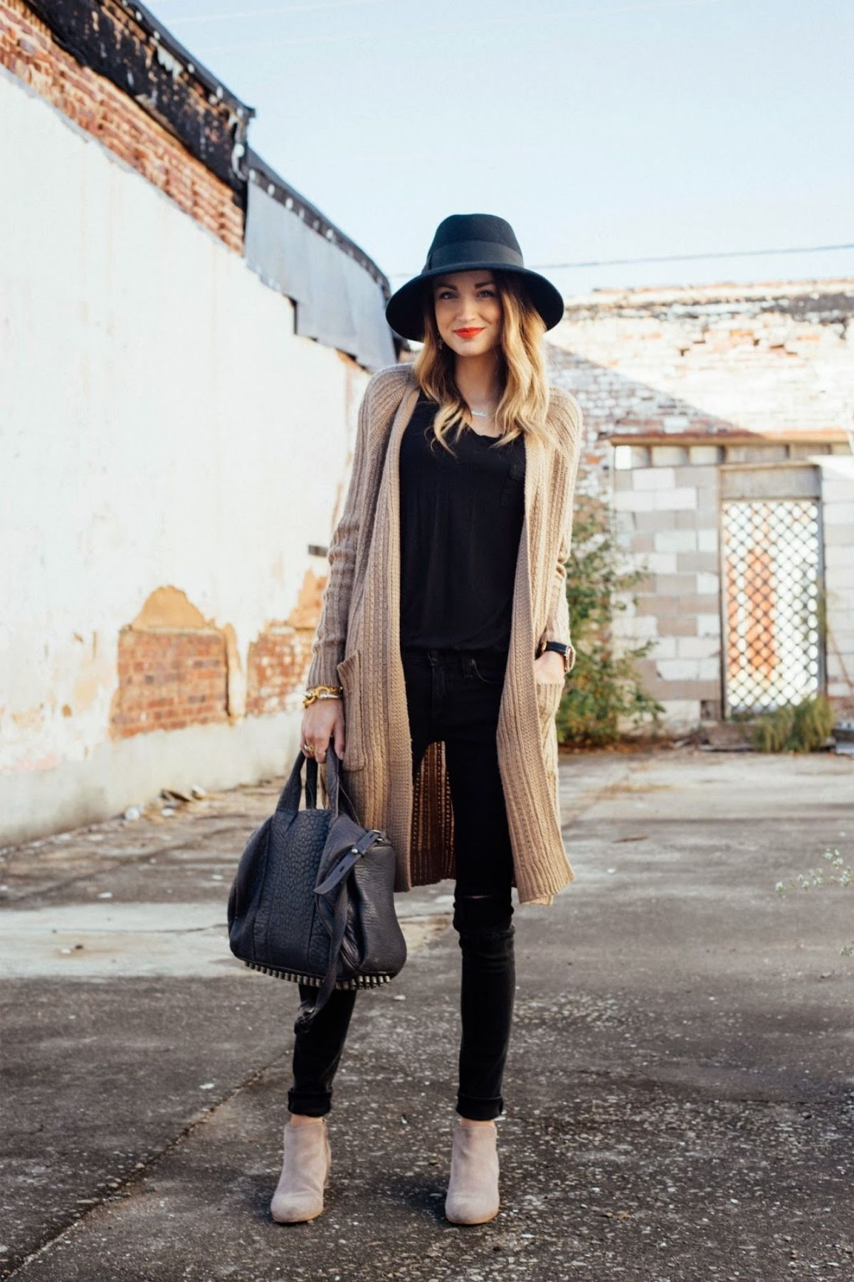 wear a hat with long cardigan