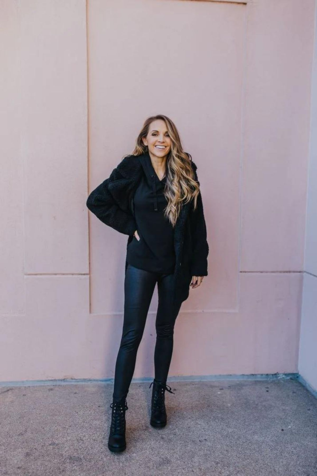 all black leather leggings outfit